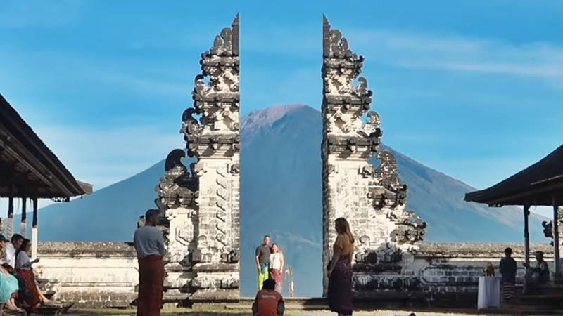 Bali Hidden Cepung Waterfall and Gate of Heaven Temple Tour 5
